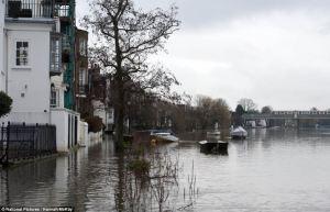 flood on the Thames